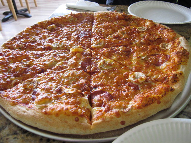 8.banana-pizza-iceland-food
