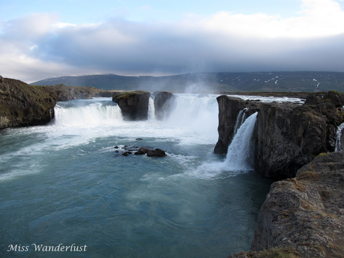 godafoss-waterfall-iceland-1